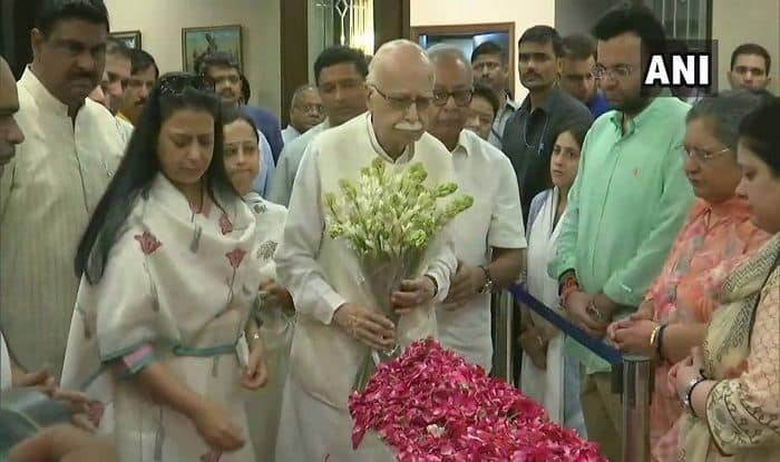 Arun Jaitley No More: LK Advani Remembers Man Who Solved 'Complex Issues'