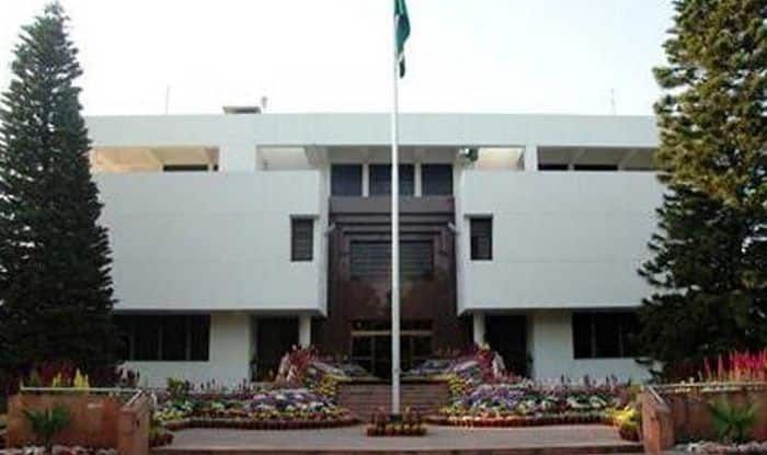 Pakistan to Call Back High Commissioner From India After Revocation of Article 370: Reports