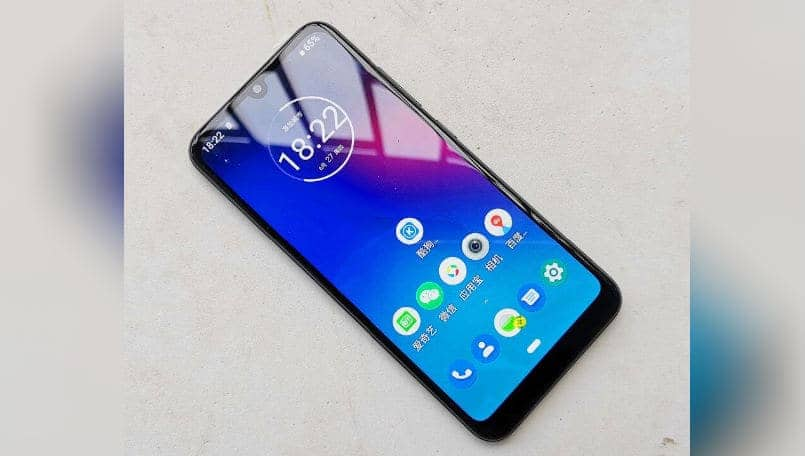 Motorola Moto E6 Plus leaked live images show dual rear cameras, notched display