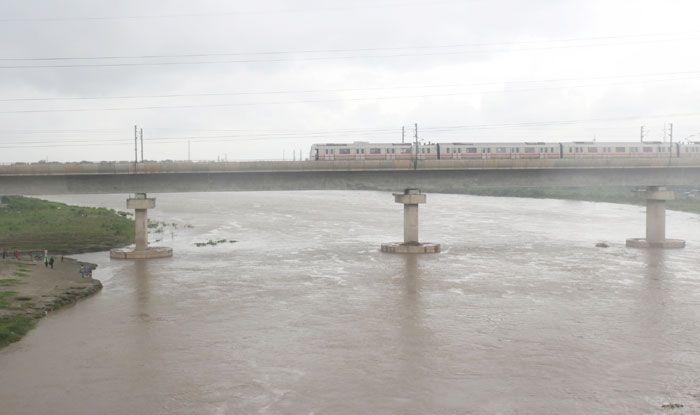 Yamuna river, Yamuna breachs danger mark, Arvind Kejriwal, New Delhi