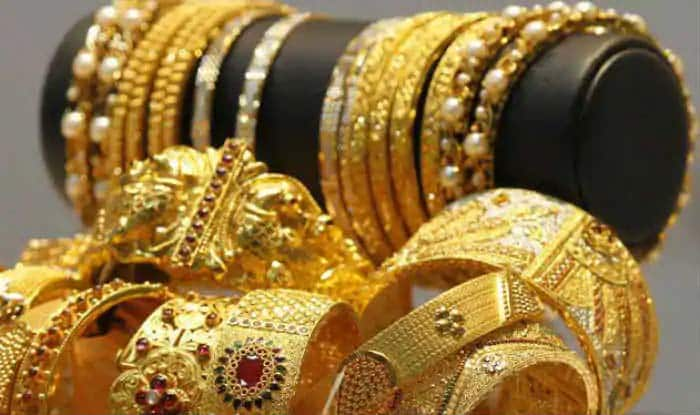 Good News For Investors: Gold Prices Likely to Remain Low Before Dhanteras