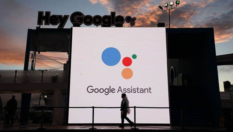 Google Assistant can now read your WhatsApp, Slack and Telegram messages