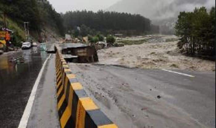 Himachal Pradesh: 1 Feared Trapped, 3 Rescued While Hundreds Stranded Due to Torrential Rains