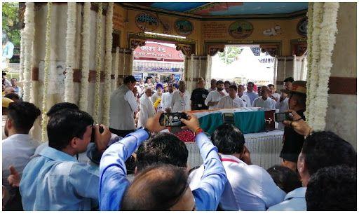 Amid Arun Jaitley's Cremation, Thief Steals Phones of 11 Including Babul Supriyo