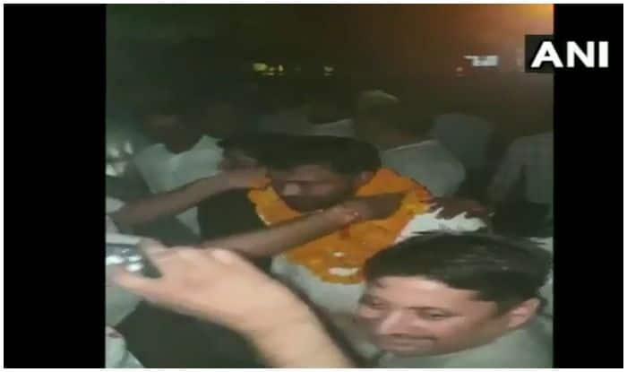Bulandshahr violence accused welcomed with Garlands