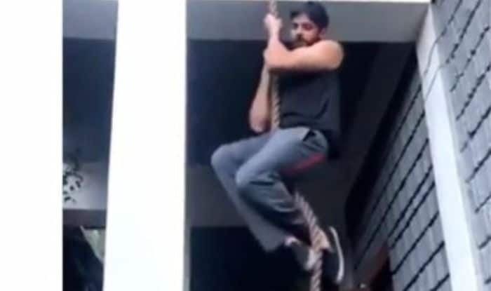 Sidharth Malhotra working out on the sets of Shershaah in Kargil