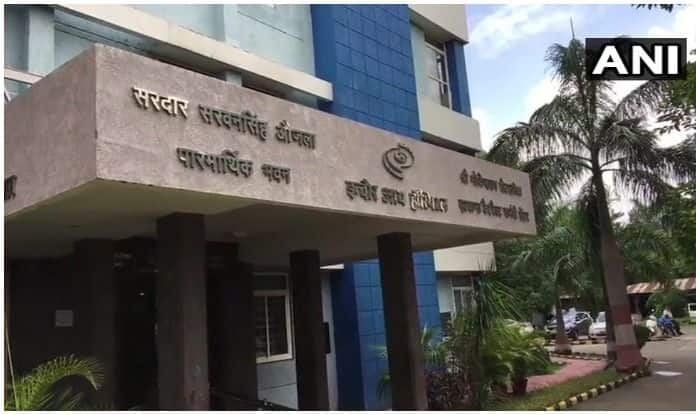 MP: 11 People Lose Eyesight After Cataract Surgery, Govt Orders to Cancel Hospital's License