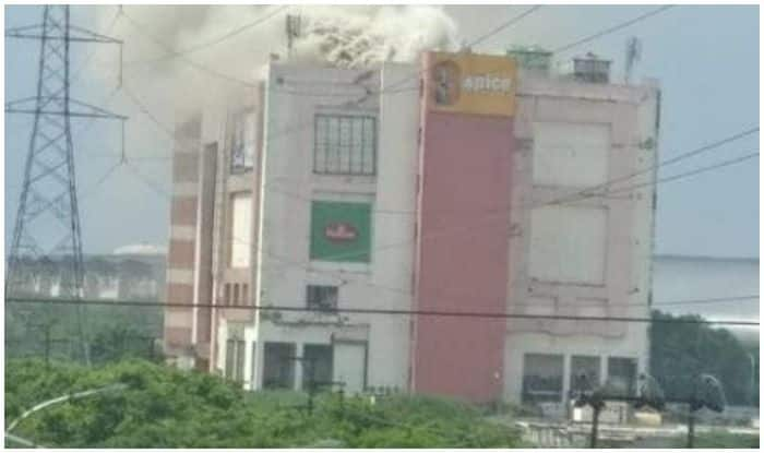 Fire Breaks Out in Spice Mall of Noida Sector 25A, Fire Fighting Operation Underway | Watch