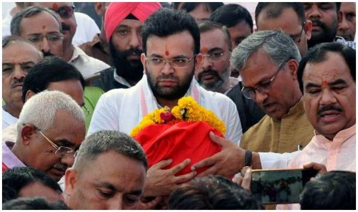 Son Rohan Immerses Ashes of BJP Veteran Arun Jaitley in River Ganga at Haridwar