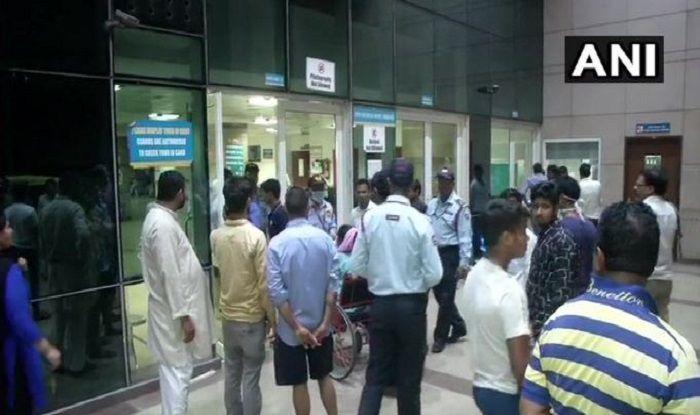 Two Resident Doctors of Safdarjung Hospital Thrashed by Kin of Deceased Patient, RDA Calls For Indefinite Strike