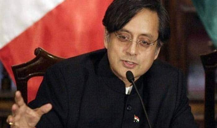Shashi Tharoor Tweets 'Pluralism' on PM Modi's Suggestion to Learn New Words in Different Languages