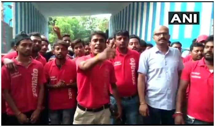 Kolkata: Zomato Delivery Executives go on Indefinite Strike Against Delivery of Beef, Pork