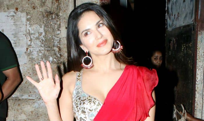 Sunny Leone is a Sight to behold in a Hot Red Saree, Shoots For a Song 'Motichoor Chaknachoor'