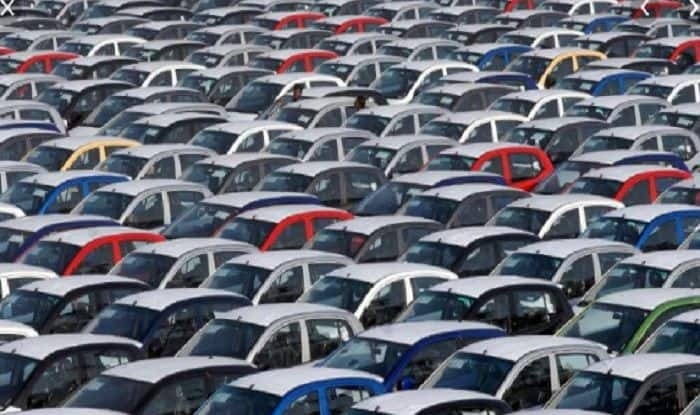 Amid Economic Slowdown, Passenger Vehicle Sales Drops 23.7% in September, 11th Month of Decline