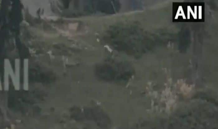 Pakistan Army Retrieves Bodies of 2 Soldiers Killed in Cross-border Firing From LoC | Watch