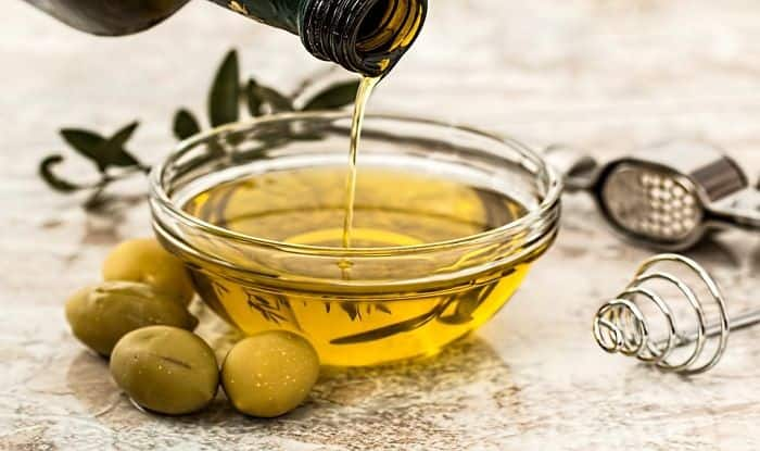 Benefits of Olive Oil: Skin Care, Hair Care, Breast Cancer And More Reasons to Use it in Daily Diet