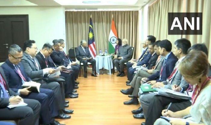 PM Modi Meets Malayasian PM in Russia, Seeks Extradition of Zakir Naik