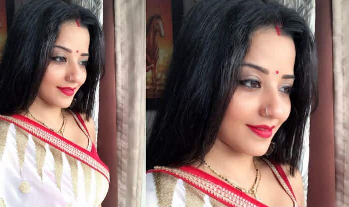 Monalisa Applies Sindoor, Wears Mangalsutra With Red-White Saree to Wish Her Fans 'Shubho Mahalaya'