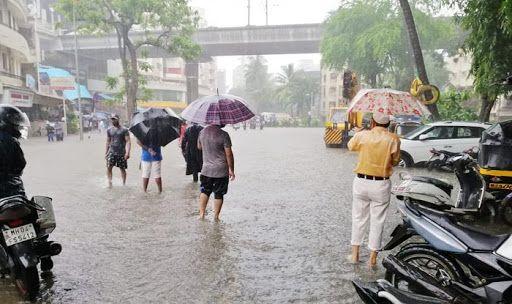 Mumbai Rains: Suburban Train Services Restored Between Churchgate-Vasai; Red Alert Still in Place