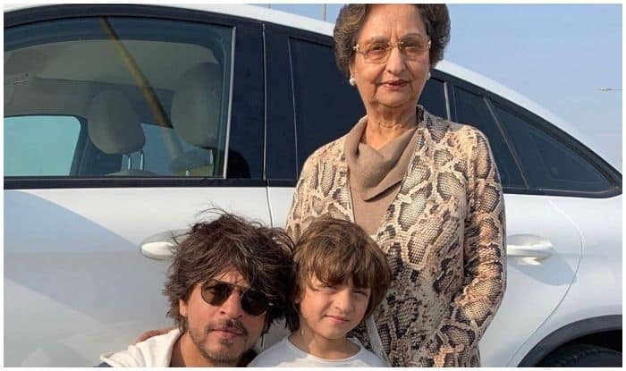 Shah Rukh Khan with Abram Khan and his mother-in-law
