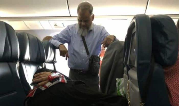 Man's Sweet Gesture Goes Viral After he Stands For 6 Hours in Flight to Let Wife Sleep