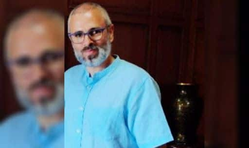 Days After Detention, New Photo of Omar Abdullah Surfaces on Social Media
