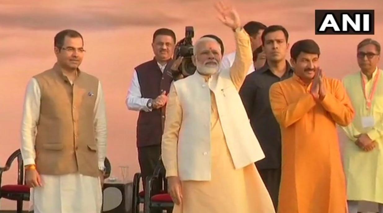 PM Modi Celebrates Dussehra, Burns Ravan's Effigy at Delhi's Ram Leela Ground | Watch Video