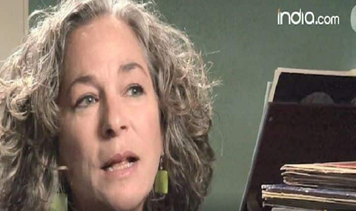Lisa Davis: A Woman With a Piano