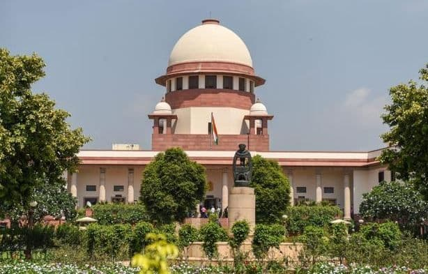 Supreme Court Grants Centre 28 Days to Respond to Petitions Challenging Article 370