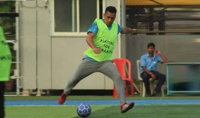 MS Dhoni plays football with Arjun Kapoor, Bollywood news, MS Dhoni latest news, MS Dhoni age, Arjun Kapoor latest news, Cricket News, Arjun Kapoor age, Arjun Kapoor wife, Arjun Kapoor films, Arjun Kapoor new movie, MS Dhoni age, MS Dhoni helicopter shot, MS Dhoni wife, MS Dhoni records, Mahi,