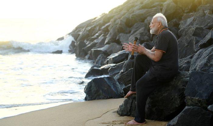 Ahead of Tête-à-Tête With President Xi, PM Modi Plogs at Mahabalipuram Beach | Watch Video