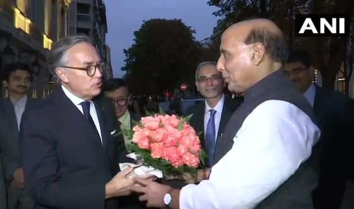 'Bonjour Paris': Rajnath Arrives in France to Receive 1st Rafale Jet, Shastra Puja And Meeting With Macron on Cards  Key Points