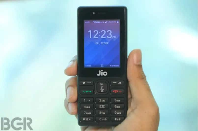 Reliance JioPhone available at Rs 699 during Diwali 2019 Offer: How to avail additional data benefits
