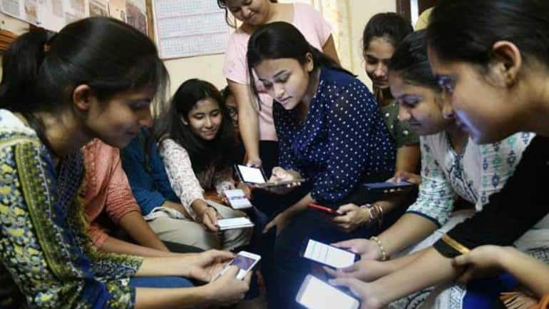 No Such Ban Issued: UP Govt Clarifies After Reports of Mobile Phones Ban in Universities Surface
