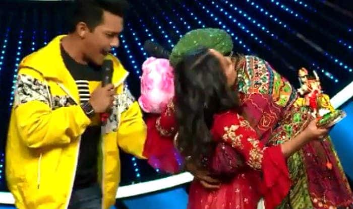 Contestant Kisses Neha Kakkar on Indian Idol 11, Anu Malik-Aditya Narayan Left Shocked – Viral Video