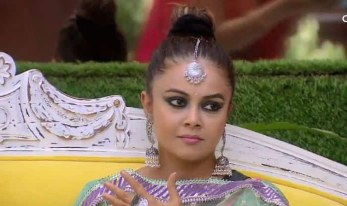 Bigg Boss 13 October 8 Episode Written Update: Devoleena Wins The Rani No. 1 Fight, Safe From The Next Nominations