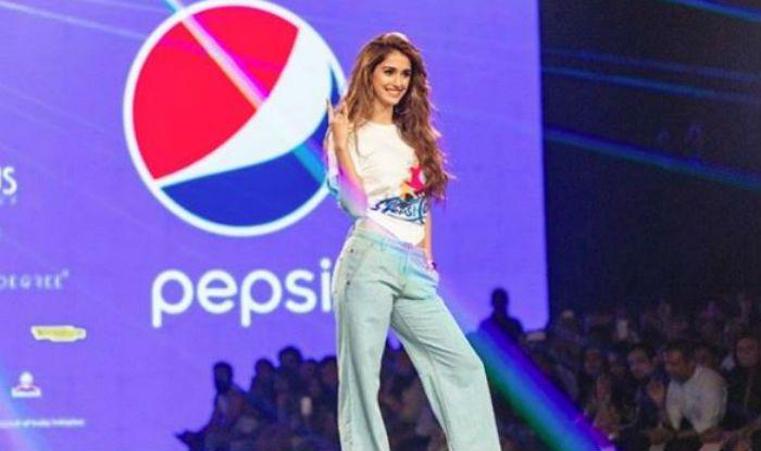 Disha Patani Slays Hotness as She Does The Coolest Ramp Walk at India Fashion Week