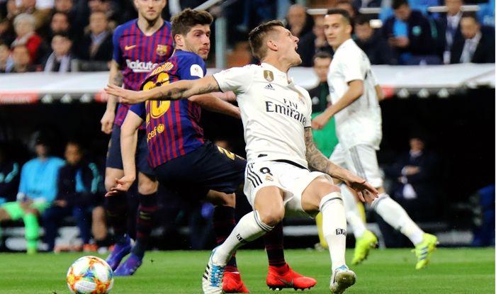 el clasico barcelona vs real madrid photo