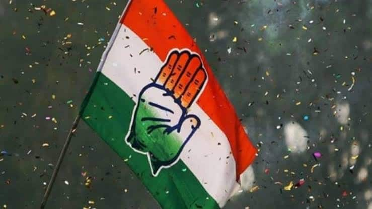 With No Office, Congress Functions in UP's Gorakhpur Through WhatsApp