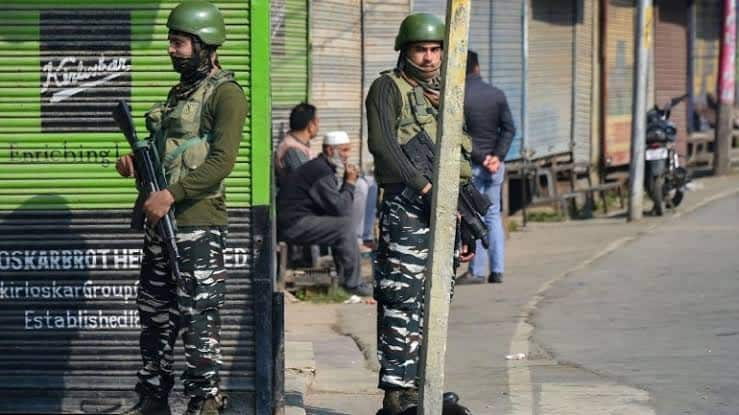 Death Toll in Kulgam Attack Rises to 6 After Another Labourer Succumbs to Injuries