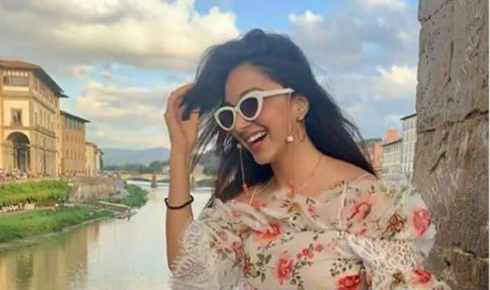 Kiara Advani is Loving THIS Funny Meme on Kabir Singh, Cannot Stop Laughing