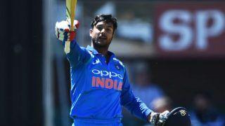 Vijay Hazare Trophy: बारिश से प्रभावित फाइनल में तमिलनाडु को हरा कर्नाटक ने जीता खिताब
