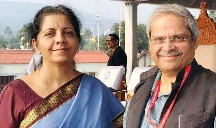 Govt in Denial Mode Over Slowdown, Nirmala Sitharaman's Husband Hits Out at Centre; Asks it to Embrace Manmohan's Economic Model