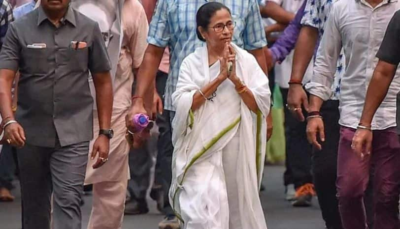 Watch: Mamata Banerjee Jogs 10km in Darjeeling Hills to Raise Awareness About Environment Conservation