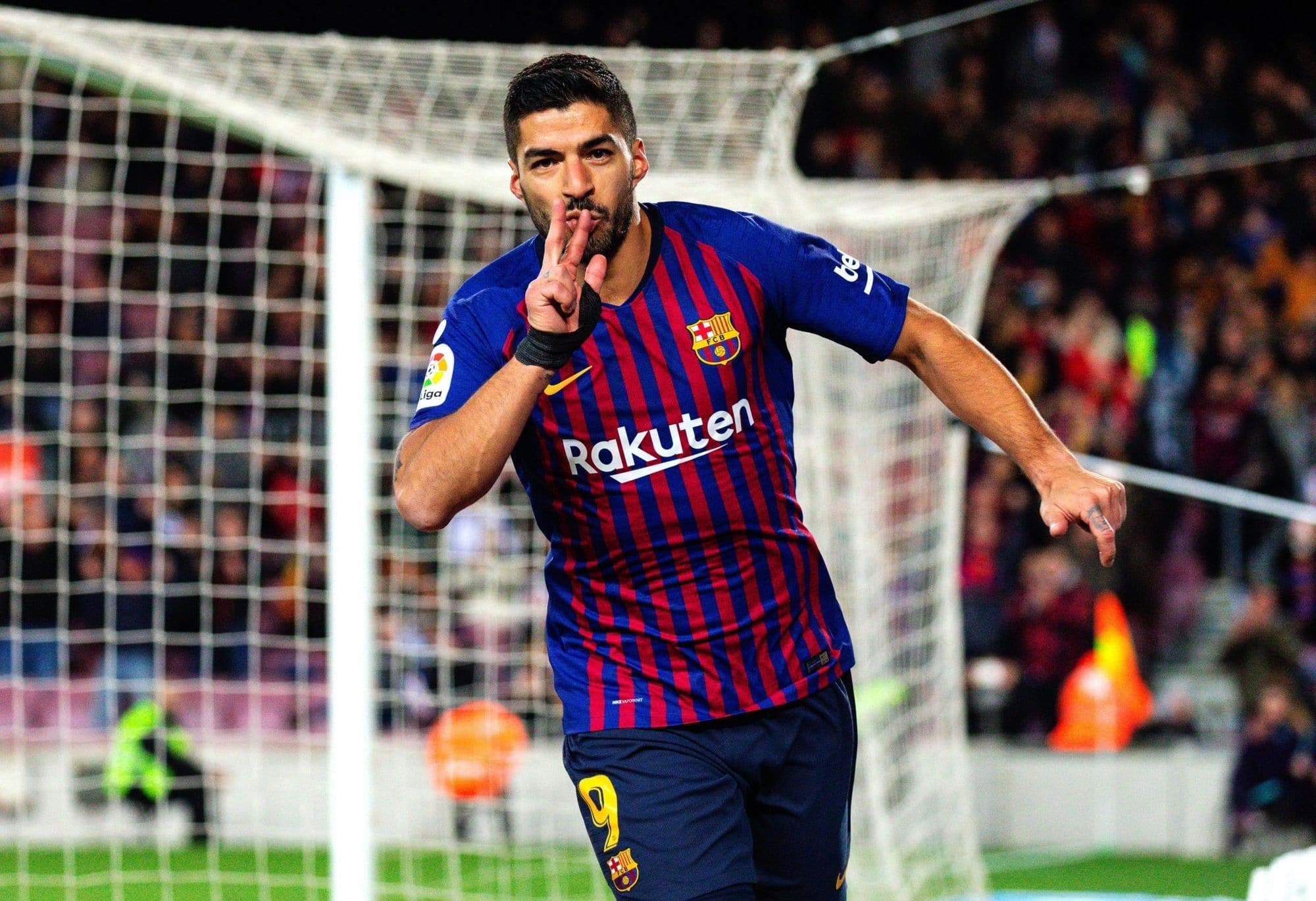 Champions League: FC Barcelona Beat Inter Milan 2-1; Luis Suarez scores twice