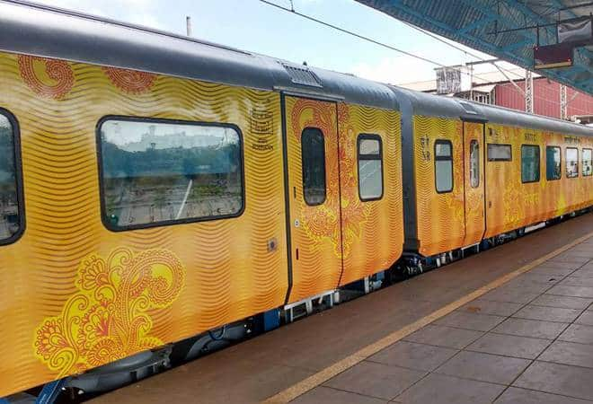In a First, Tejas Express Passengers Will Now Get Refund if The Train Gets Late!