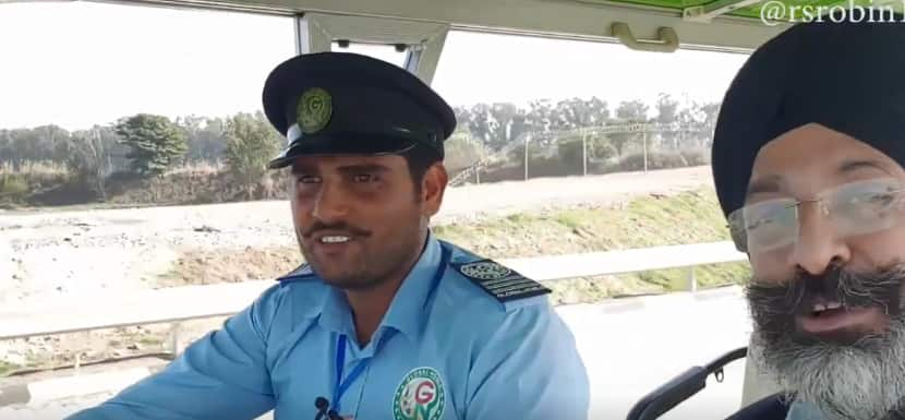 'Punjab United Once Again': Internet is Touched by This Pak Driver's Reaction to Kartarpur Corridor Opening | Watch