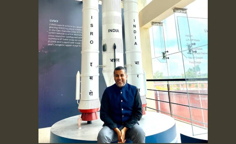 Chetan Bhagat Says He Can't Believe He Was Chief Guest At ISRO Event, Twitter Can't Either