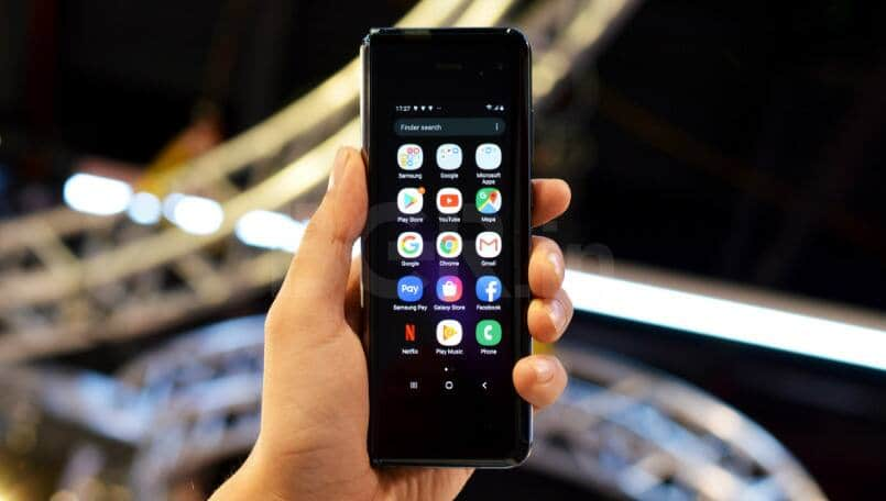 Samsung Galaxy Fold Review: Transforming phone to tablet in an expensive style