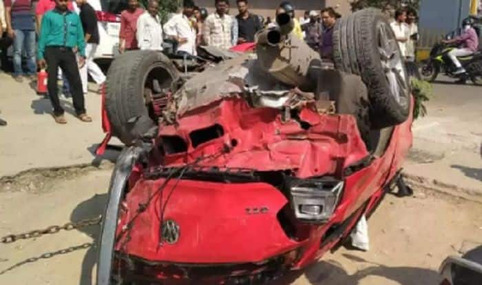 Hyderabad: 1 Killed, 8 Injured as Speeding Car Falls Off Biodiversity Flyover | Watch